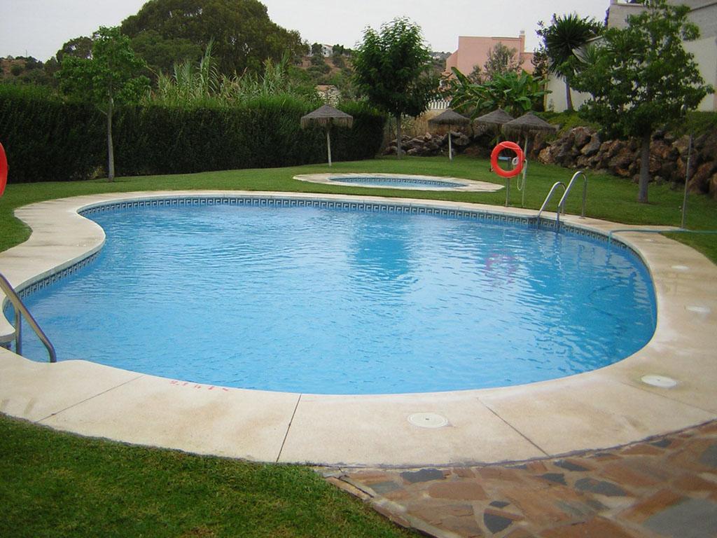 Mantenimiento de piscinas verde sur for Mantenimiento de piscinas